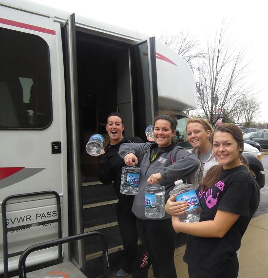 6th SXU Softball Team Helps Collect for Washington Tornado Relief Photo