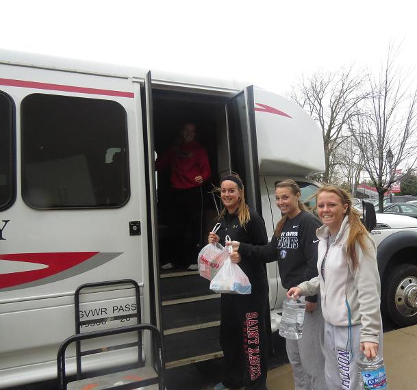 7th SXU Softball Team Helps Collect for Washington Tornado Relief Photo