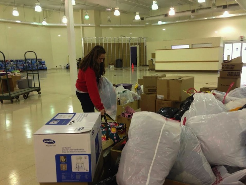 11th SXU Softball Team Helps Collect for Washington Tornado Relief Photo