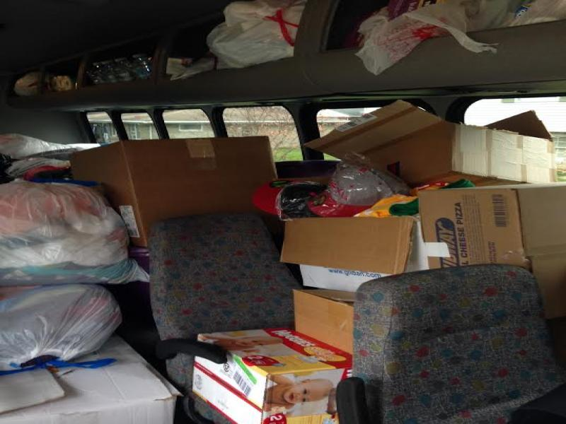 21st SXU Softball Team Helps Collect for Washington Tornado Relief Photo