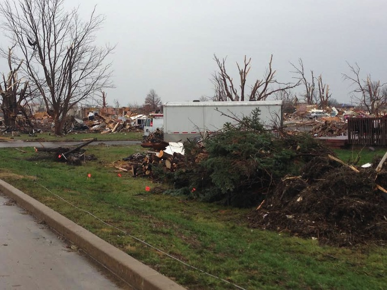 30th SXU Softball Team Helps Collect for Washington Tornado Relief Photo