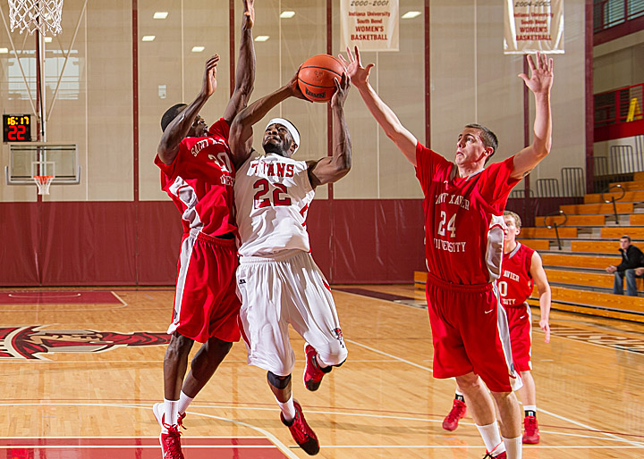 SXU Men's Basketball vs. IUSB 1-11-14 - Photo 3