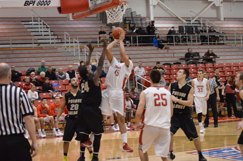 SXU Men's Basketball vs Purdue-Calumet (Ind.) 2/5/14 - Photo 21