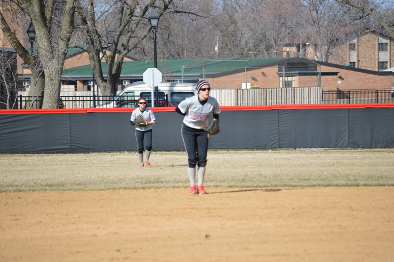 SXU Softball vs Robert Morris (Ill.) 4/1/14 - Photo 3