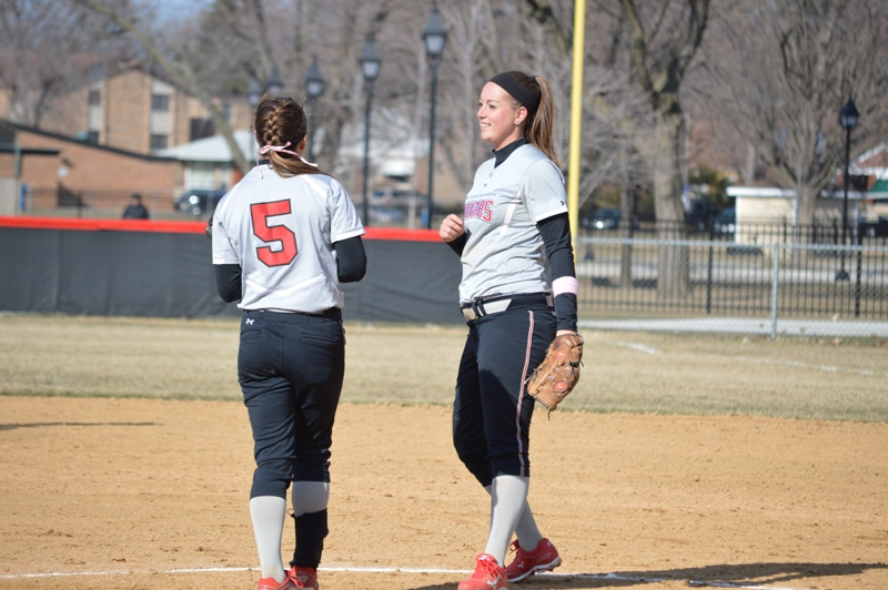 SXU Softball vs Robert Morris (Ill.) 4/1/14 - Photo 8