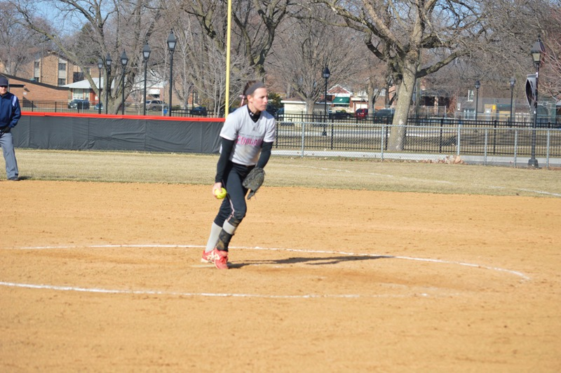 SXU Softball vs Robert Morris (Ill.) 4/1/14 - Photo 11