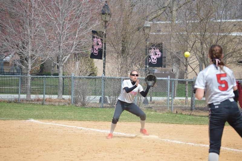 39th SXU Softball 'Senior Day' vs Grand View (Iowa) 4/19/14 Photo