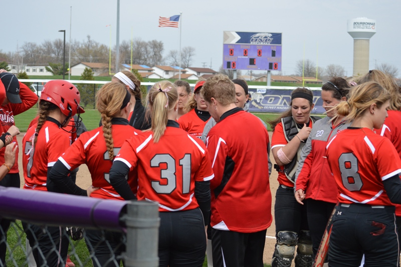 SXU Softball vs Olivet Nazarene (Ill.) 4/24/14 - Photo 4