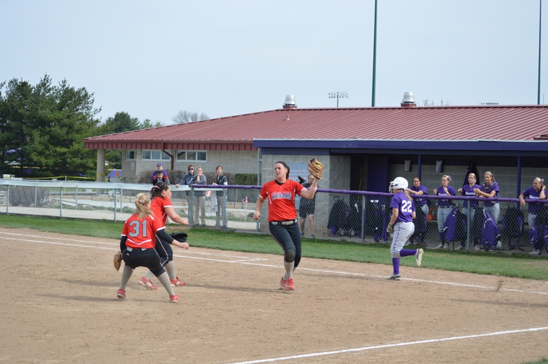 SXU Softball vs Olivet Nazarene (Ill.) 4/24/14 - Photo 20