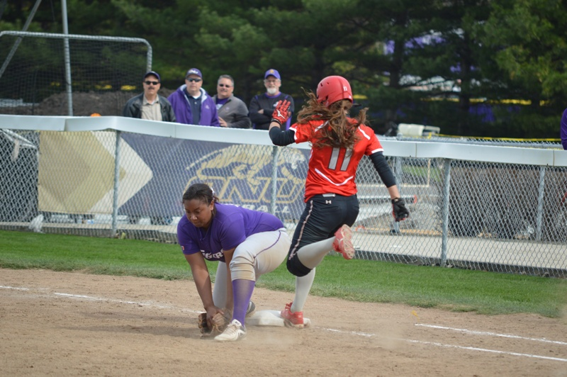 SXU Softball vs Olivet Nazarene (Ill.) 4/24/14 - Photo 24