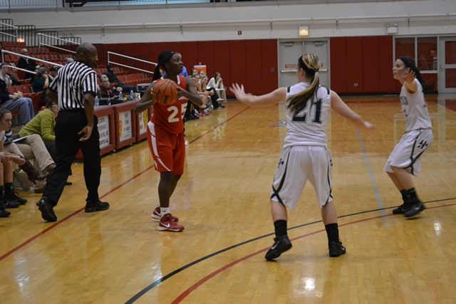 Saint Xavier vs. Huntington University (Ind.) - Photo 5