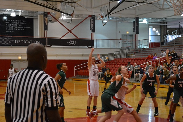 Saint Xavier vs. Roosevelt University (Ill.) - Photo 11