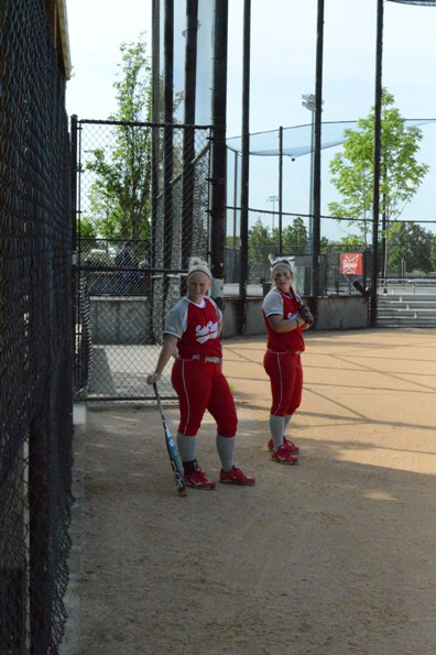 Senior Kate Mollohan and sophomore Meg James before Tuesday's game