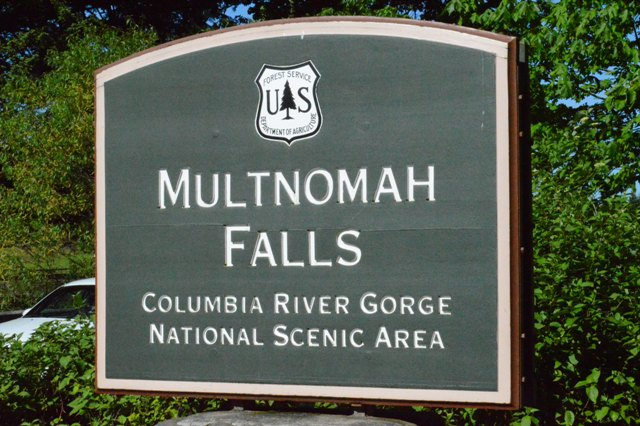 The welcome sign to the Falls.