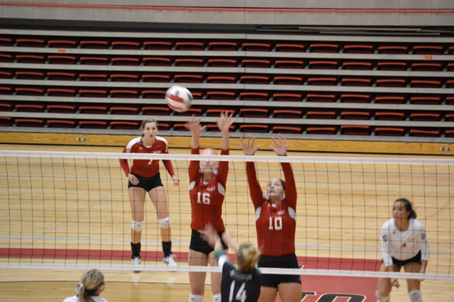 11th SXU Women's Volleyball vs Huntington (Ind.) 8/30/13 Photo