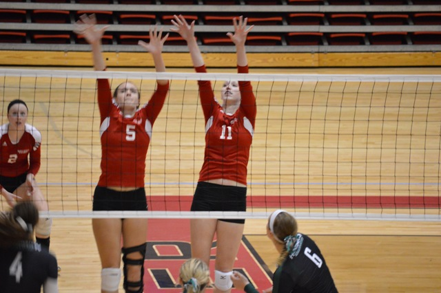 17th SXU Women's Volleyball vs Huntington (Ind.) 8/30/13 Photo