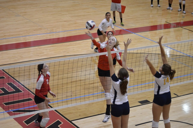 SXU Women's Volleyball vs Spring Arbor (Mich.) and Judson (Ill.) 8/31/13 - Photo 2