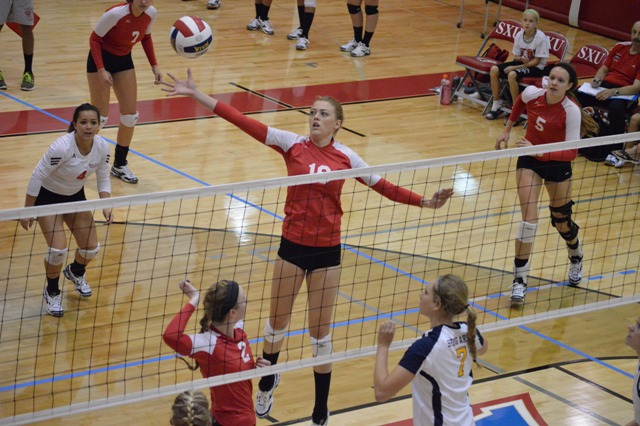 SXU Women's Volleyball vs Spring Arbor (Mich.) and Judson (Ill.) 8/31/13 - Photo 3