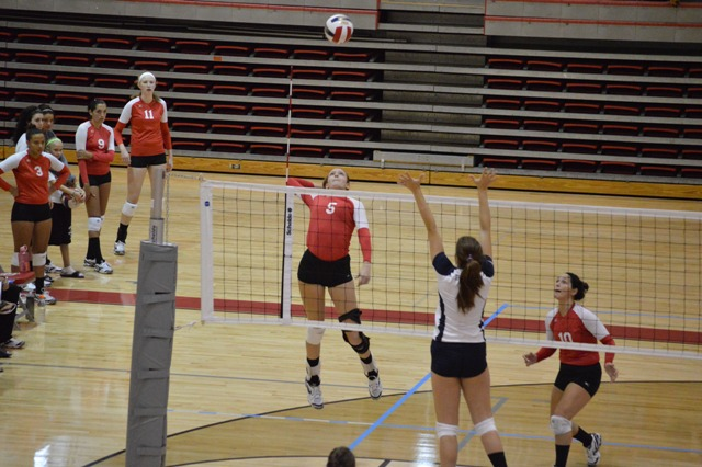 SXU Women's Volleyball vs Spring Arbor (Mich.) and Judson (Ill.) 8/31/13 - Photo 11