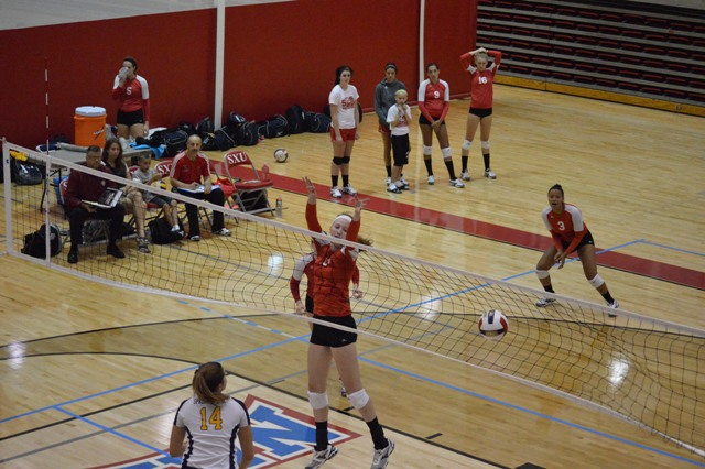 SXU Women's Volleyball vs Spring Arbor (Mich.) and Judson (Ill.) 8/31/13 - Photo 16