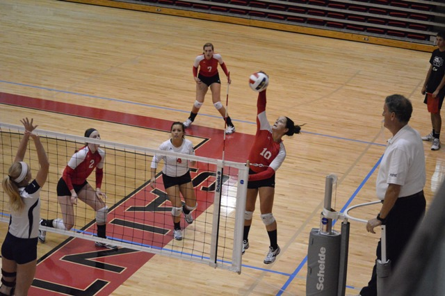 SXU Women's Volleyball vs Spring Arbor (Mich.) and Judson (Ill.) 8/31/13 - Photo 17