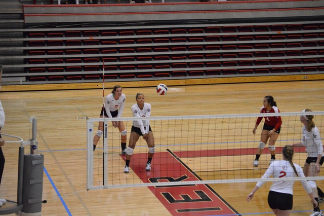 SXU Women's Volleyball vs Spring Arbor (Mich.) and Judson (Ill.) 8/31/13 - Photo 34