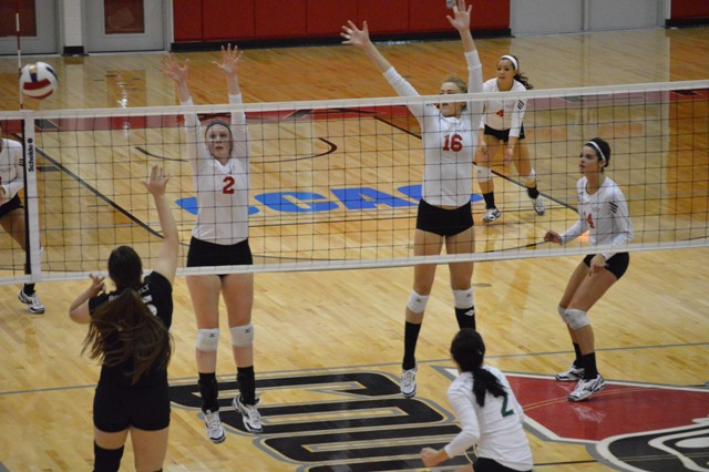 16th SXU Women's Volleyball vs Roosevelt (Ill.) 10/1/13 Photo