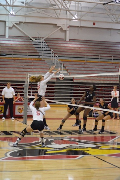 3rd SXU Women's Volleyball vs Roosevelt (Ill.) 10/1/13 Photo