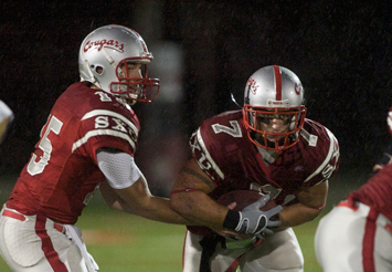 Senior Donnie Selby (#7) rushed for 98 yards and three TDs Saturday