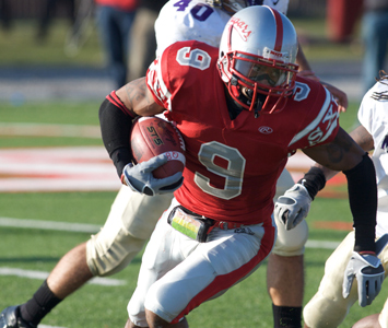 Senior Xavier Torres was one of six SXU football student-athletes named to the NFF's Hampshire Honor Society