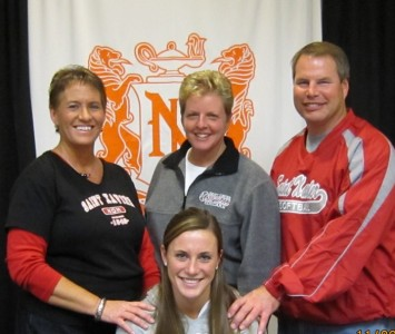 Nicole Nonnemacher will join the Cougar softball roster for the 2013 season