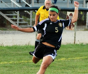Mariana Hoerr from St. Thomas Aquinas High School in Ohio has signed with SXU women's soccer