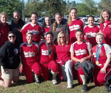 Dr. Dot Richardson met the Saint Xavier University softball team during the trip to Clermont, Fla.
