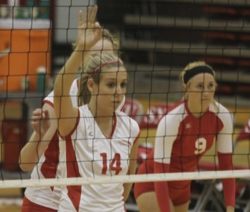 Senior Colleen O'Hara had a nice night for SXU with eight kills, two aces and a block assist