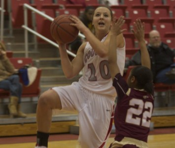 Sophomore Morgan Stuut put 28 points up to lead all scorers Saturday against TIU