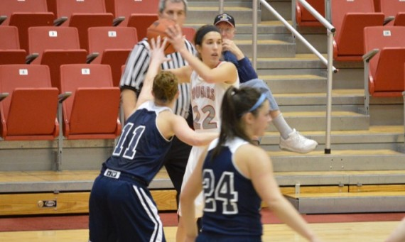Junior guard Suzie Broski led the Cougars with 16 points Wednesday against Trinity Christian