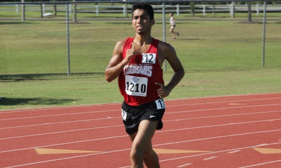 Sophomore Abel Hernandez finished 13th overall in the 10,000 meter run with a time of 33:36.43