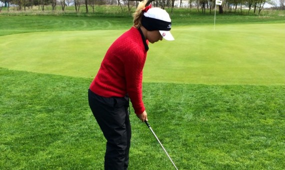 Sophomore Taylor Thompson led SXU at the weather-shortened AIB Invite with a round of 80