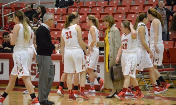 The Saint Xavier University women's basketball team moved back to the No. 1 in the NAIA national poll Tuesday