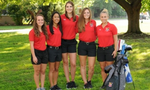 The SXU women's golf team had the highest team grade point average for the 2016-17 year at 3.54
